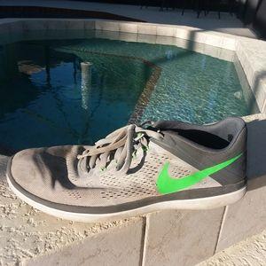 NIKE Grey Green Running Shoe Trainer Size 13